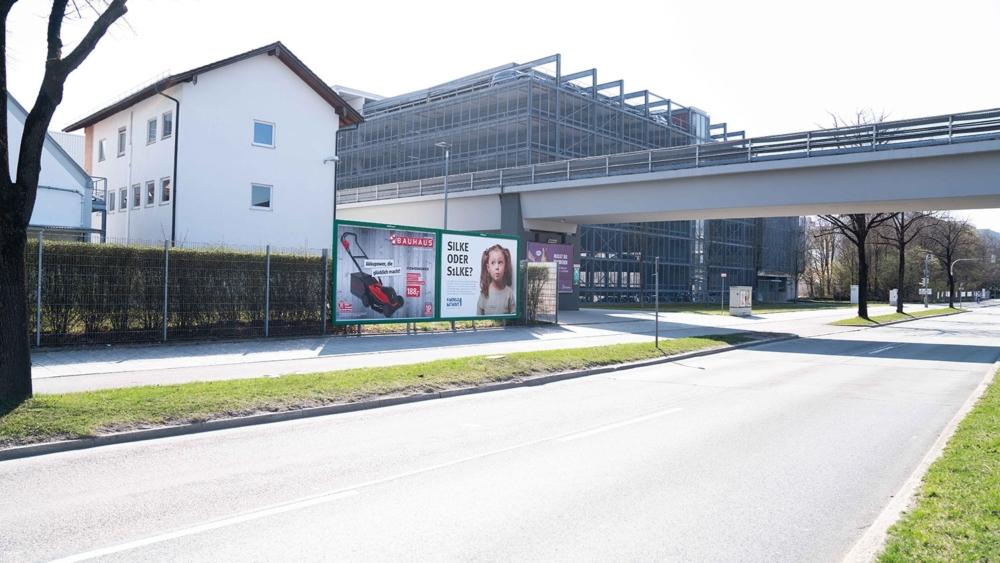 m-plakat - Großfläche als Außenwerbung
